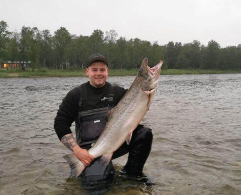 22 juli 2020 Michael with a wonderful salmon. 16,4 kg